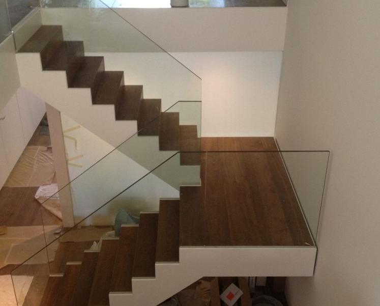 Moderne en zeer transparante trap inspiratie voor wonen en verbouwen - Vervoeren van een trappenhuis ...